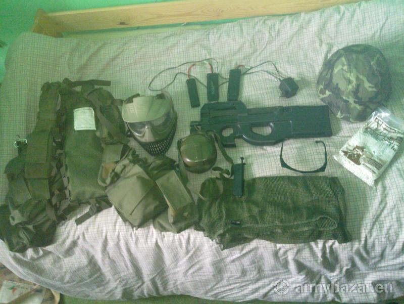 Zbraň P90 od C&A a výbava na airsoft
