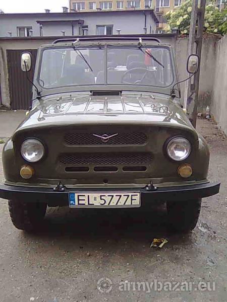 Samochód osobowo-terenowy UAZ 31512
