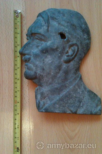 Profil hlavy  A.Hitlera
