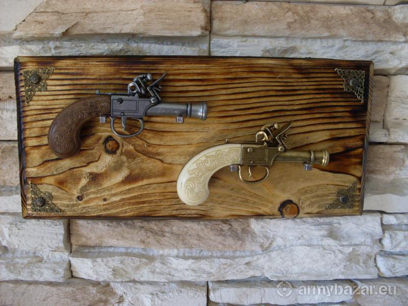 Anglická flintlocková pištoľ-replika