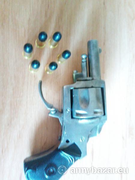 Predám historický revolver