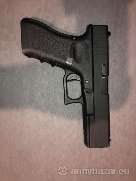 Eladó Airsoft Glock 18c