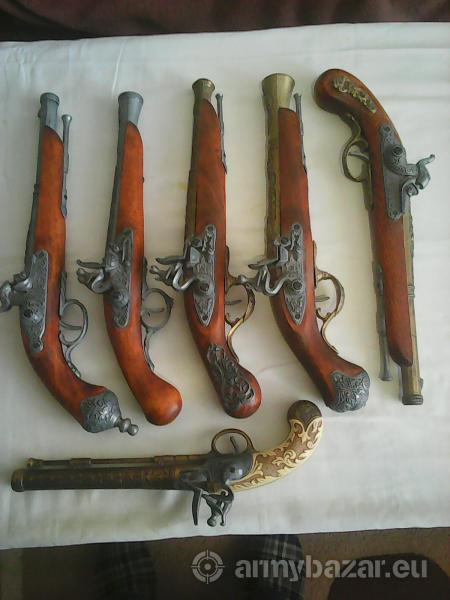 makety historických zbraní