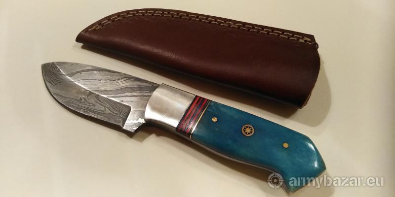 Nôž z damaškovej ocele k8 s dvojfarebnou rukoväťou