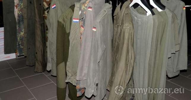 15bf709513 Dátuma: 07.12.2013, 17:03Megjelentetett: 3619x. Leírás: Eladó használt katonai  ruházat.
