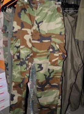 Használt katonai ruházat a87a860a44