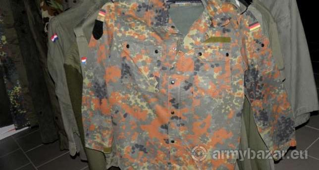 2feea2addf Használt katonai ruházat - Eladás